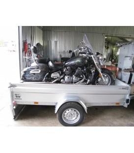 Paverčiamu kėbulu, pritaikyta motociklą vežti